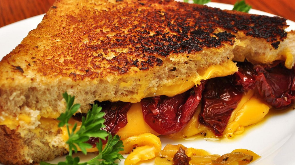 Grilled Cheese  © jeffreyw/Flickr
