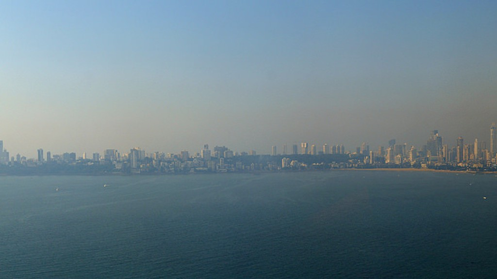 Mumbai Skyline from the Trident Nariman Point  © Glenn Strong/Flickr