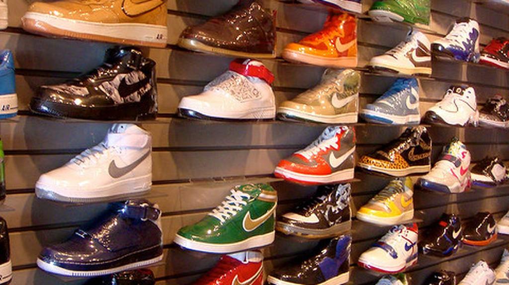 newest eb2e7 1bccc The 10 Best Sneaker Shops In L.A.