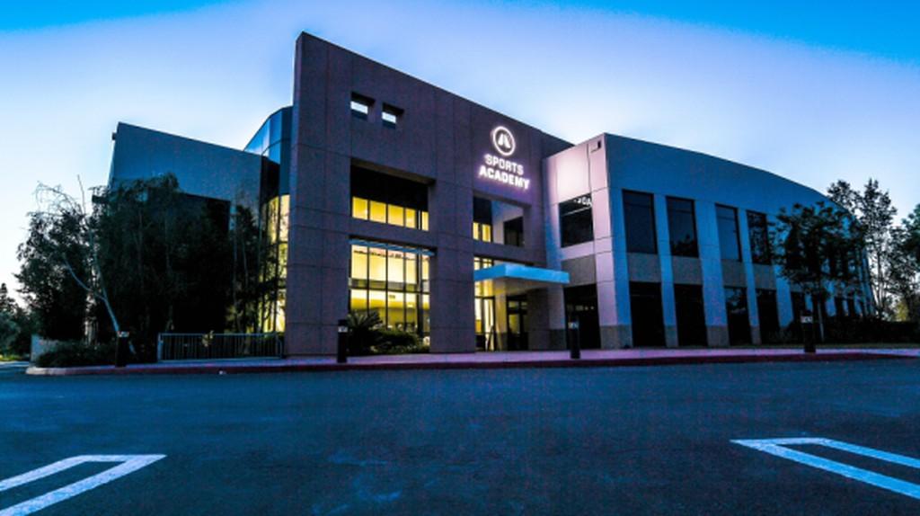 Thousand Oaks' New Sports Academy: Where Anyone Can Train Like a Pro