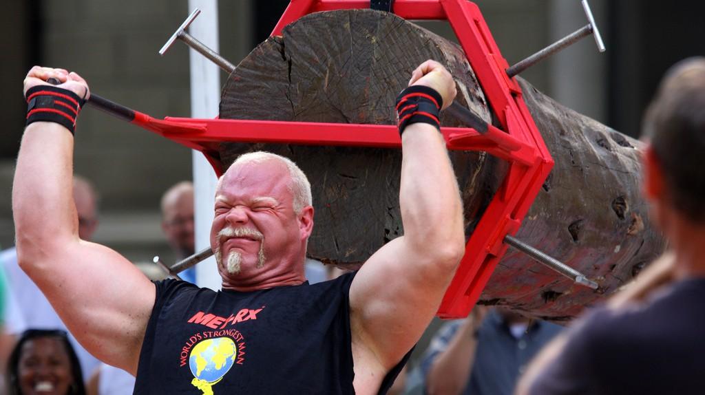 Former World's Strongest Man Magnus Samuelsson competes.  © Jason Means/Flickr