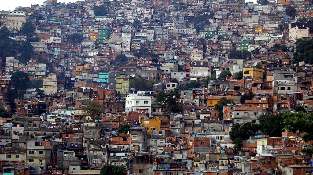 Rocinha, or 'Little Farm' |© metamorFoseAmBULAnte/Flickr