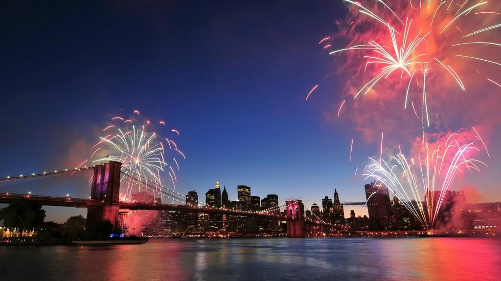 2009 Fireworks | Image courtesy of Macy's