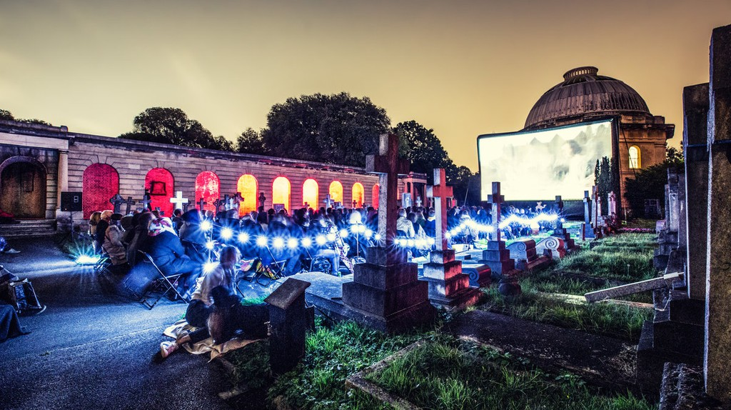 Nomad Cinema at Brompton Cemetery, 2015| © SarahGinn/Nomad Cinema
