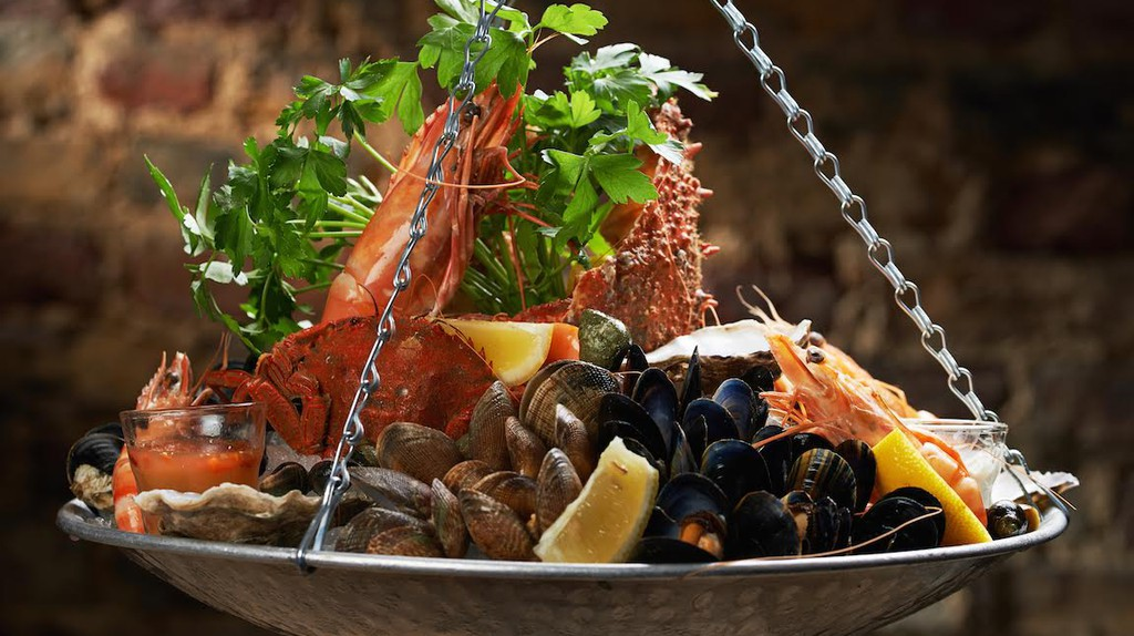 Seafood Platter | Courtesy of Prawn on the Lawn