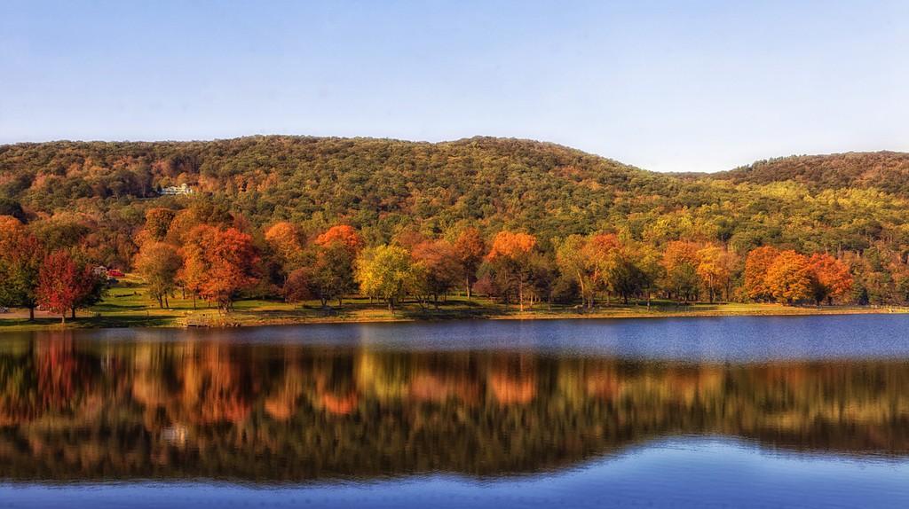 Squantz Pond   © tpsdave/Pixabay