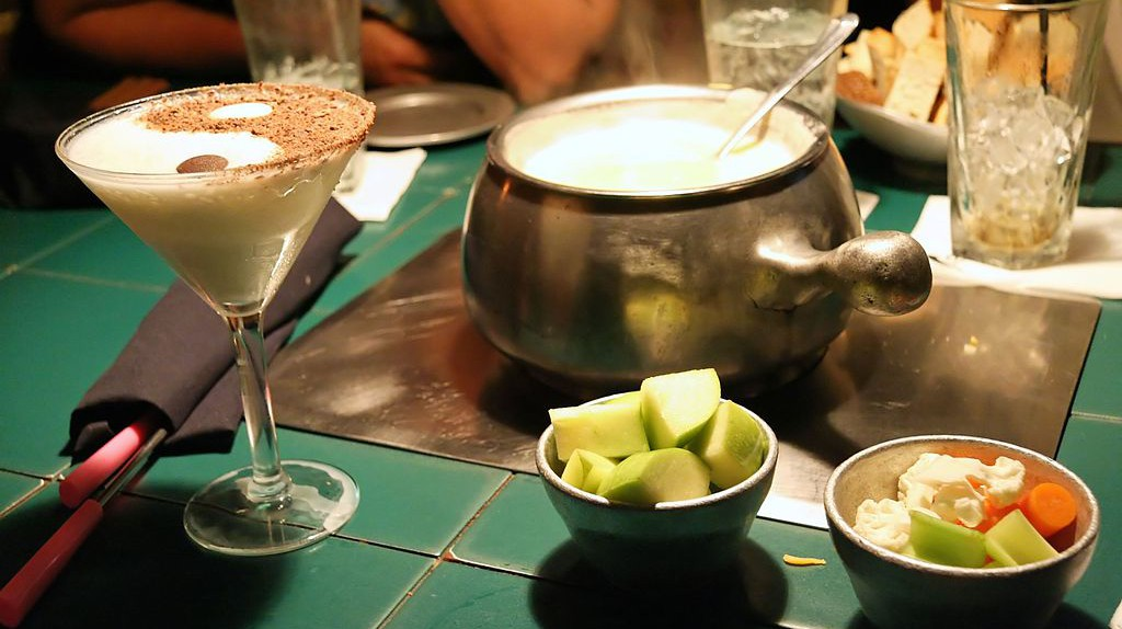 Cheese fondue  © FlickreviewR/WikiCommons
