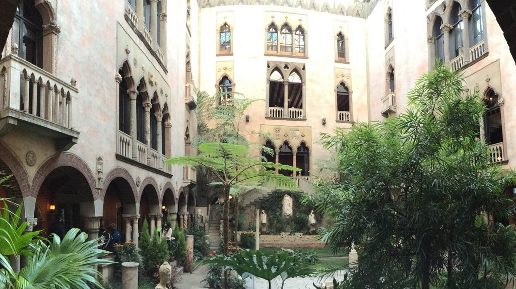 Courtyard of the Isabella Stewart Gardner Museum |© BCD Photography/Flickr