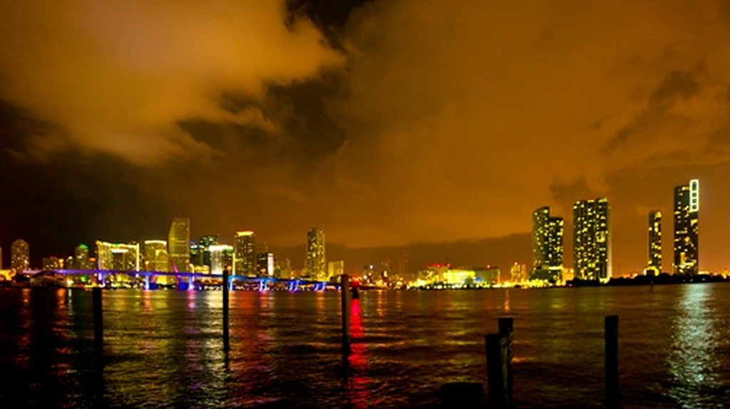 A panoramic of Miami Beach in the beauty of night | Ricardo Mangual/Flickr