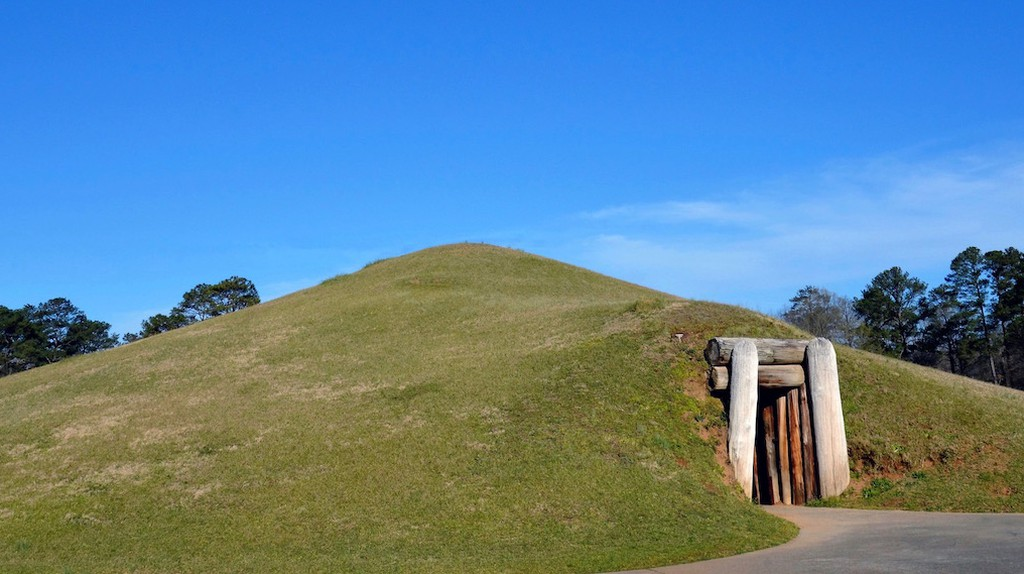 Earth Lodge | Courtesy of Ocmulgee National Monument/National Park Service