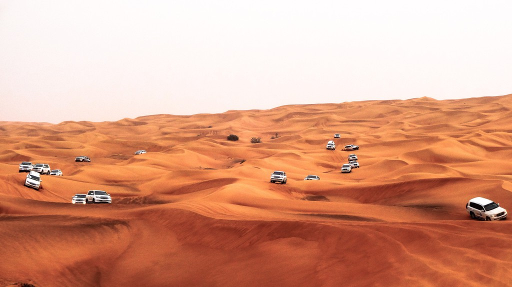 Dubai Desert Offroading |  ©  Yanis Ladjouzi /Pixabay