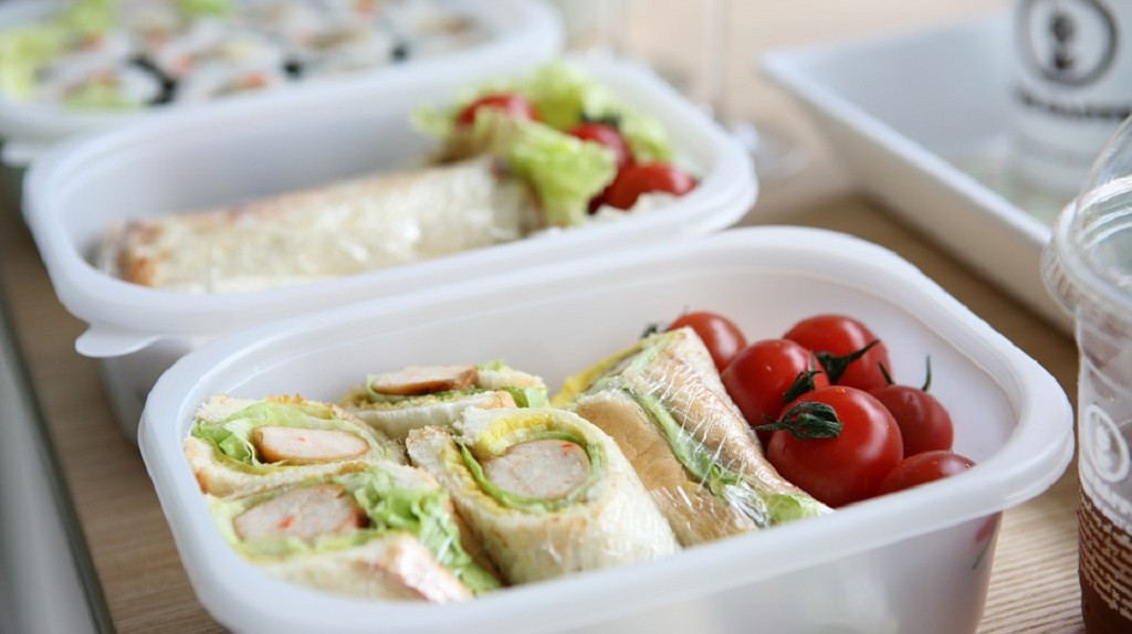 A simple and modern bento with tortilla instead of rice as the main carb   © Jelly/Pixabay