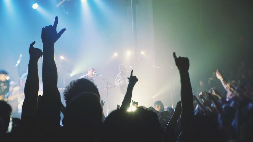 People Partying   © Pexels