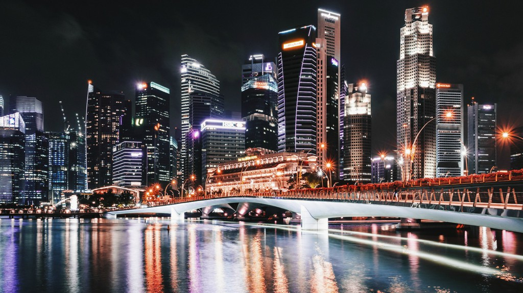 10 Essential Poems About Singapore