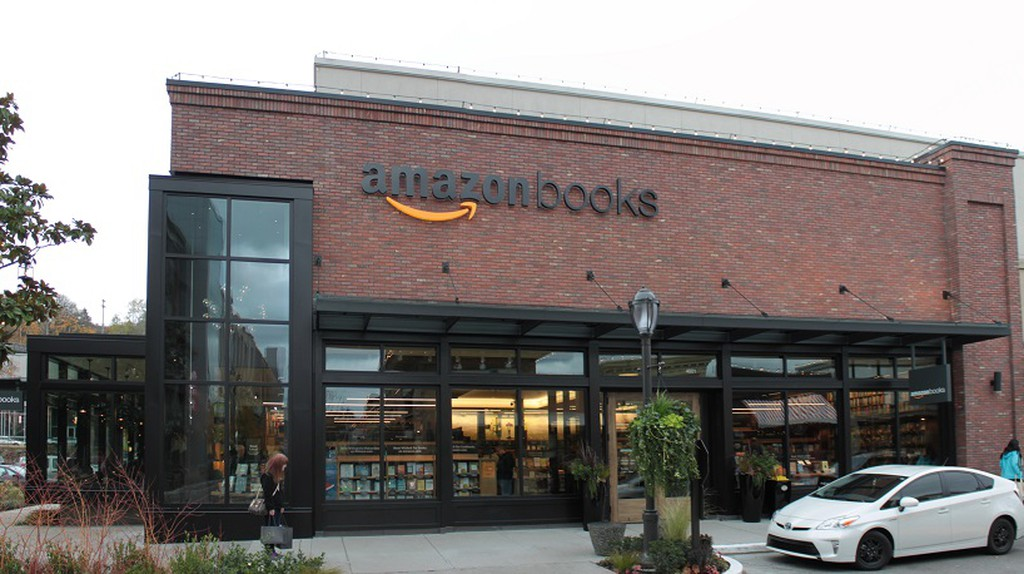Seattle's Amazon Books   © SounderBruce/WikiCommons