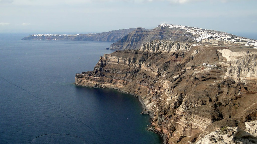 View of Oia and Fira | © Bernard Gagnon/WikiCommons