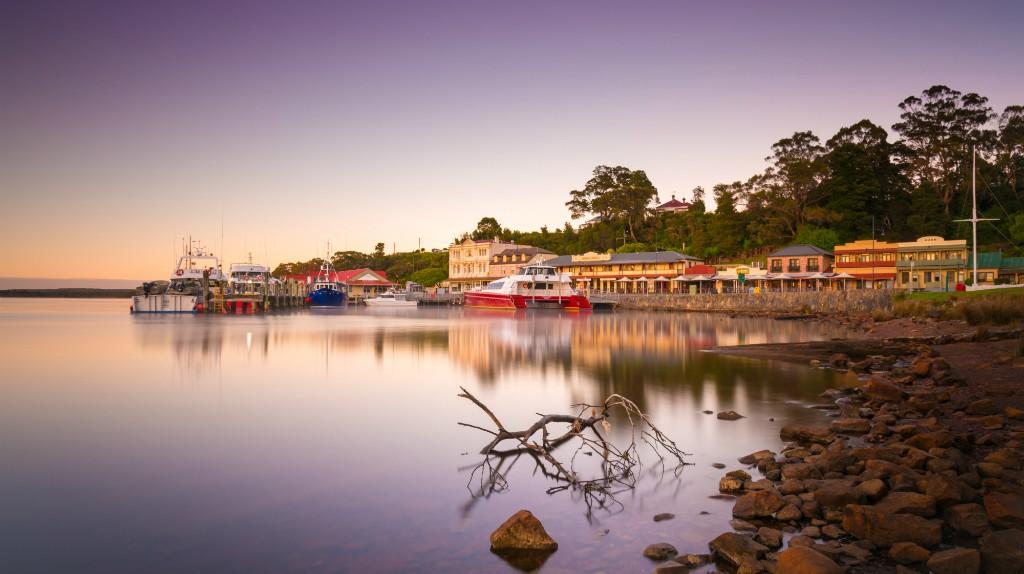 Strahan waterfront | © Paul Fleming