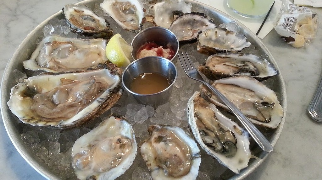 Oysters On The Half Shell   © Tim Evanson / Flickr