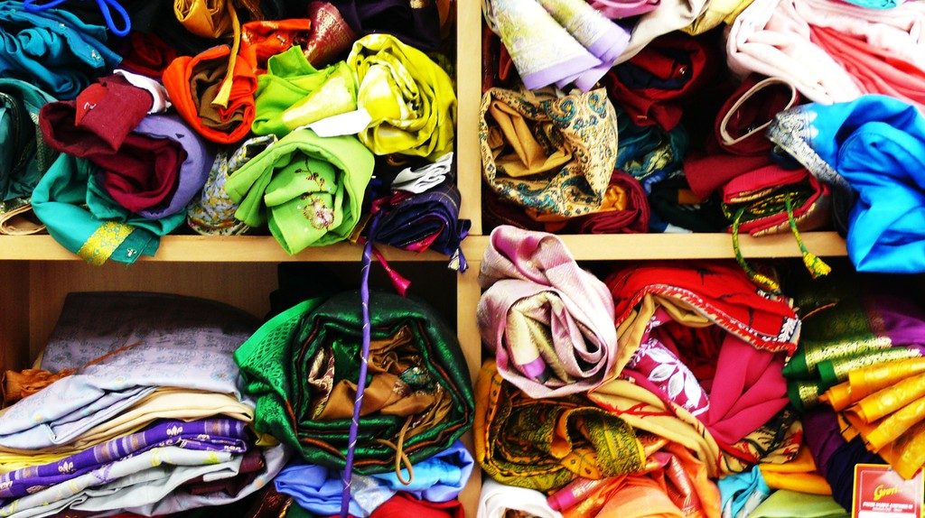Colourful clothes | © claire/Flickr