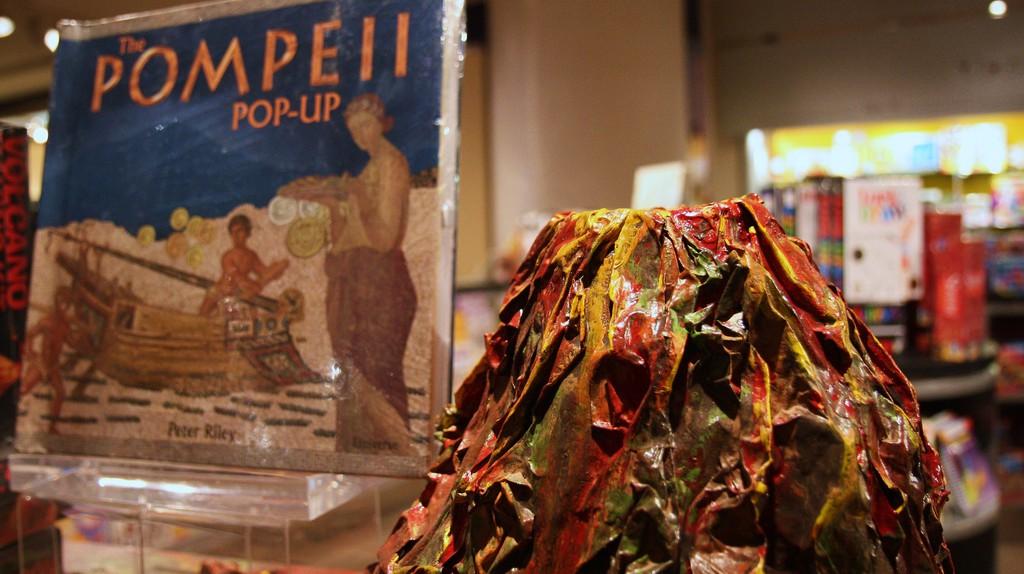 Model Pompeii in NGA Gift Shop   ©Mr.TinDC/Flickr