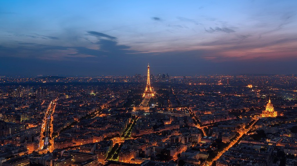 Night shot of Paris