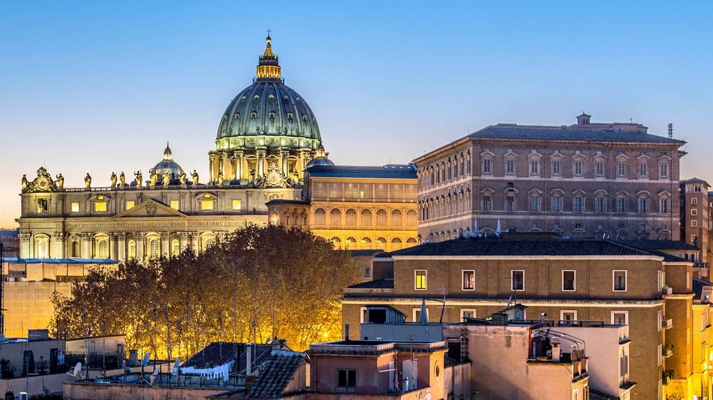 St Peter's Basilica   © Flickr/N i c o l a