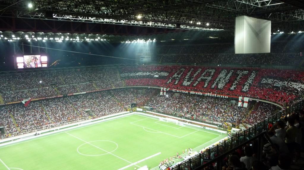 AC Milan vs Inter Milan at the San Siro Stadium | © www.flickr.com