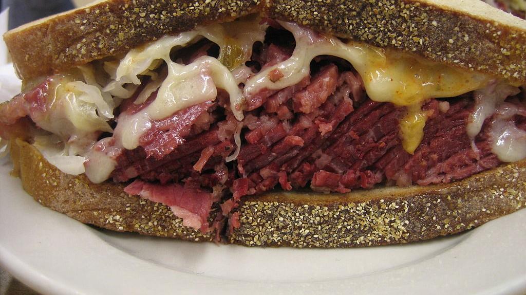 Katzs Deli Sandwich | © Ernesto Andrade, Wikipedia Commons
