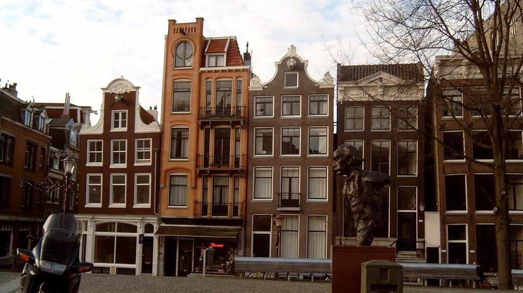 Multatuli Statue on Torensluis | © Michielverbeek / WikiCommons