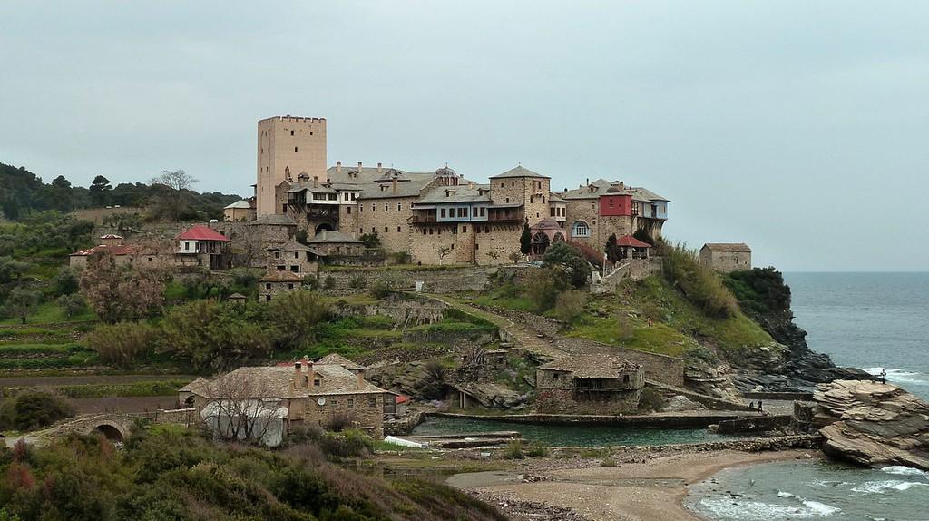 View of the Pantokrator monastery (Mount Athos)  © Aroche/WikiCommons