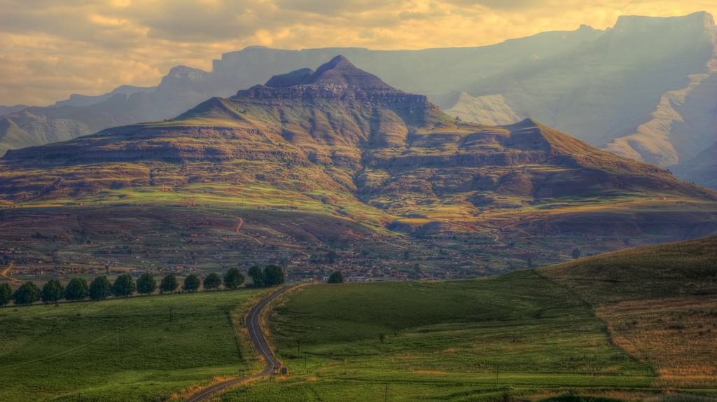 Drakensberg Mountains, South Africa © Steve Slater/Flickr