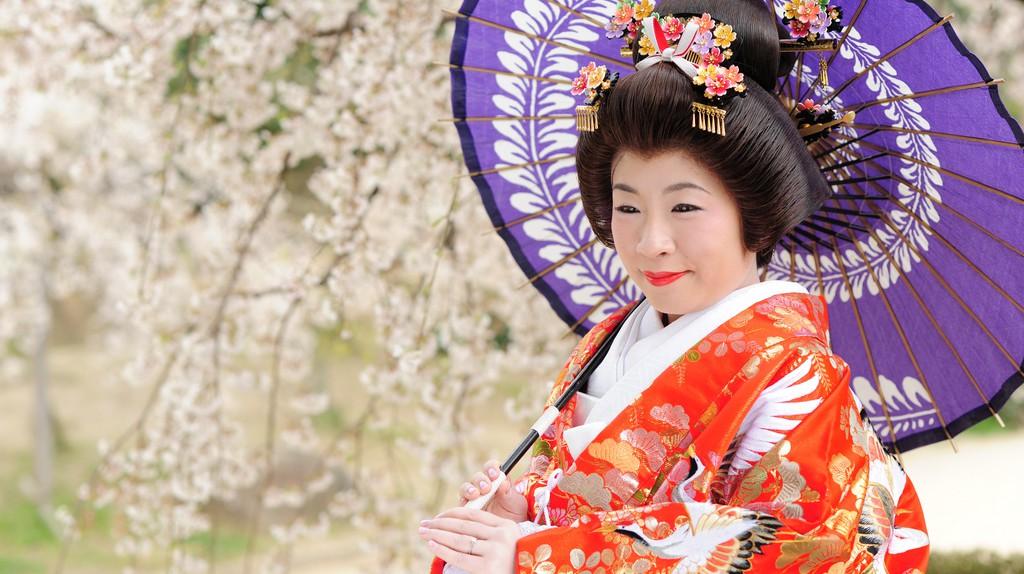 A woman poses in kimono | © gwaar/Flickr