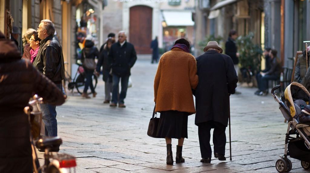 An elderly couple | © Flickr/Matteo Paciotti
