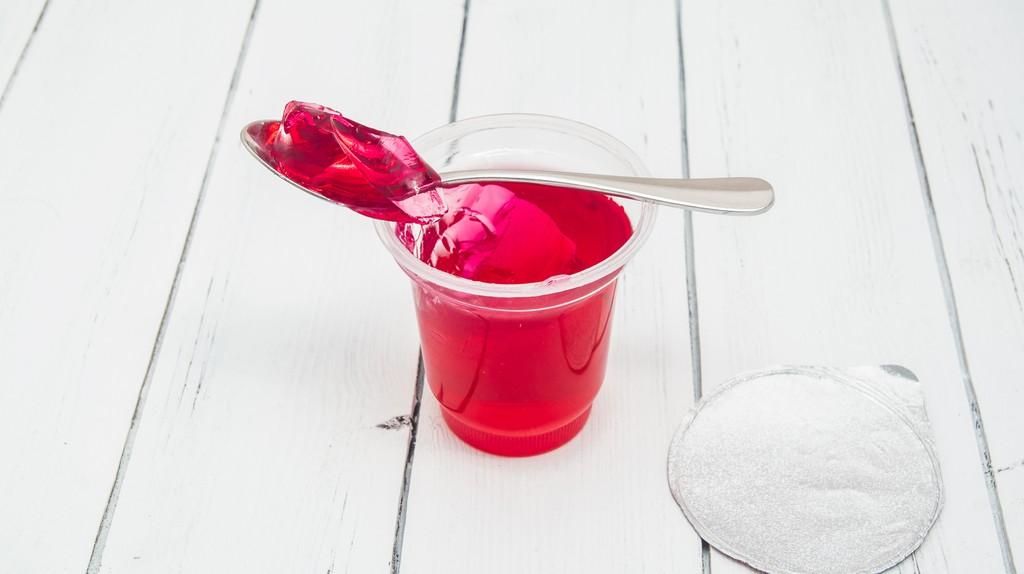 Jelly Cup © Anna Shkolnaya / Shutterstock