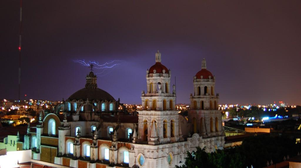 Puebla at night | © Russ Bowling/Flickr