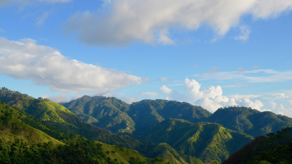 Blue Mountains, Jamaica  | © Caribbean Cables