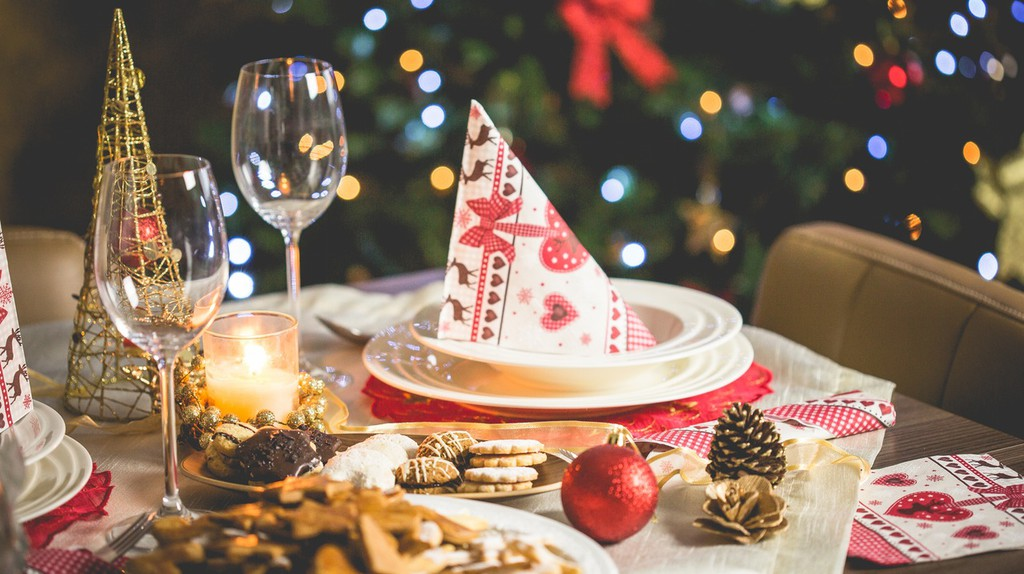 Christmas table | Pexels