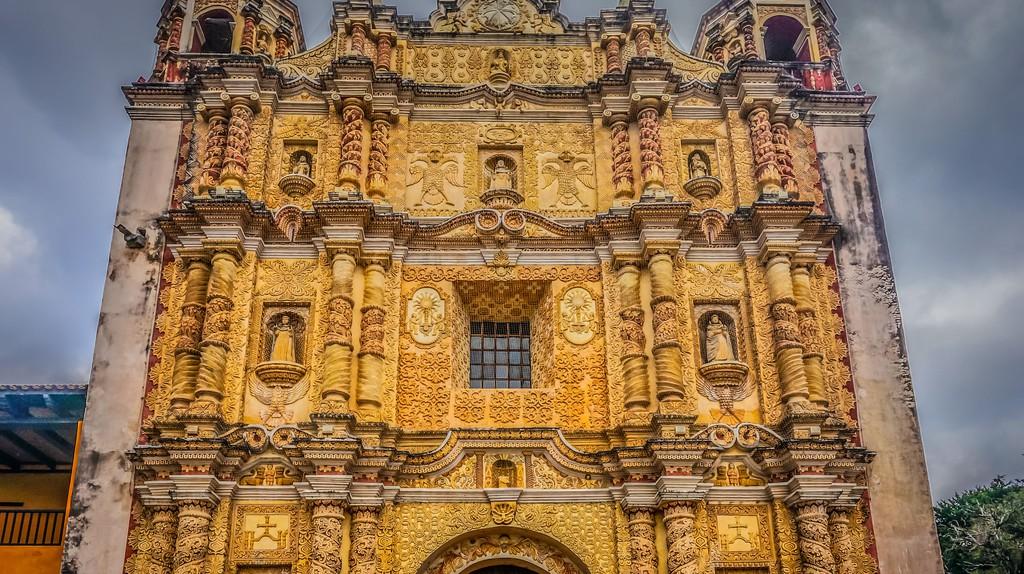 Templo de Santo Domingo, San Cristóbal de las Casas   © GameOfLight/Flickr