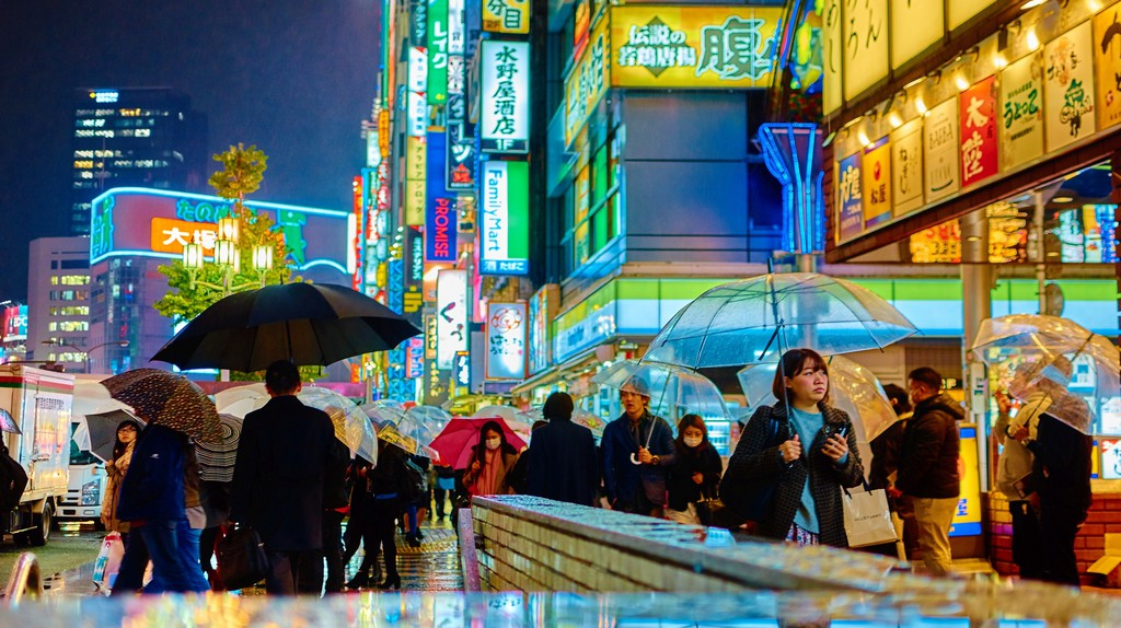 Tokyo, glistening in a mix of Blade Runner and post-impressionism. Taken outside Shinjuku Station (2014) | ©Moyan Brenn/Flickr