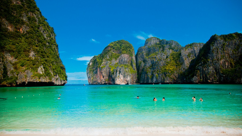 Maya Bay, aka 'The Beach'   © Kevin Tao/Flickr