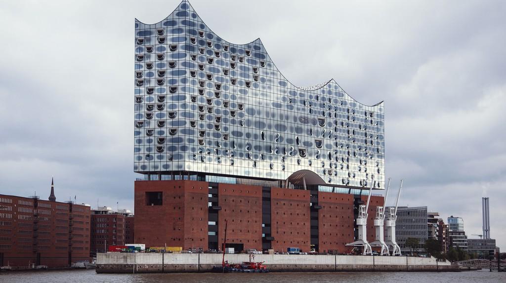 Hamburg's architectural triumph, the new Elbphilharmonie concert hall   © Sophie Wolter