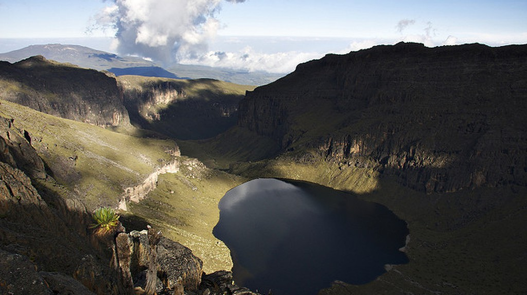 Lake Michaelson, Mt. Kenya| © troll2006 / Flickr