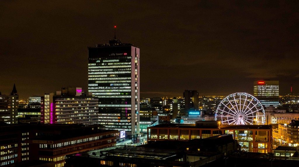 Manchester at night | © Richard Heyes / Flickr