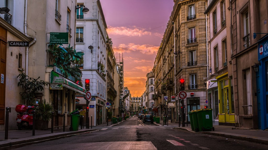 Sunrise on a Paris street │© Tommie Hansen / Flickr