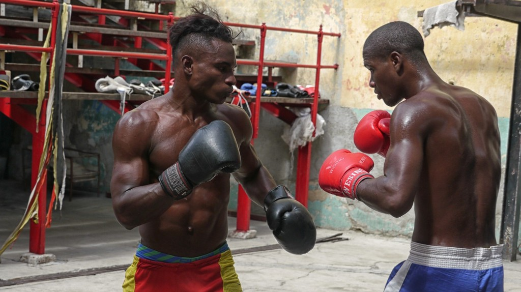Boxers spar at the open-air Rafael Trejo Boxing Gym in Old Havana, Cuba | © Lynn Cianfarani