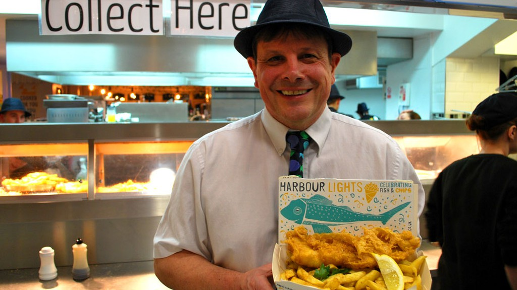 Pete Fraser, owner of the Harbour Lights in Falmouth | © Culture Trip