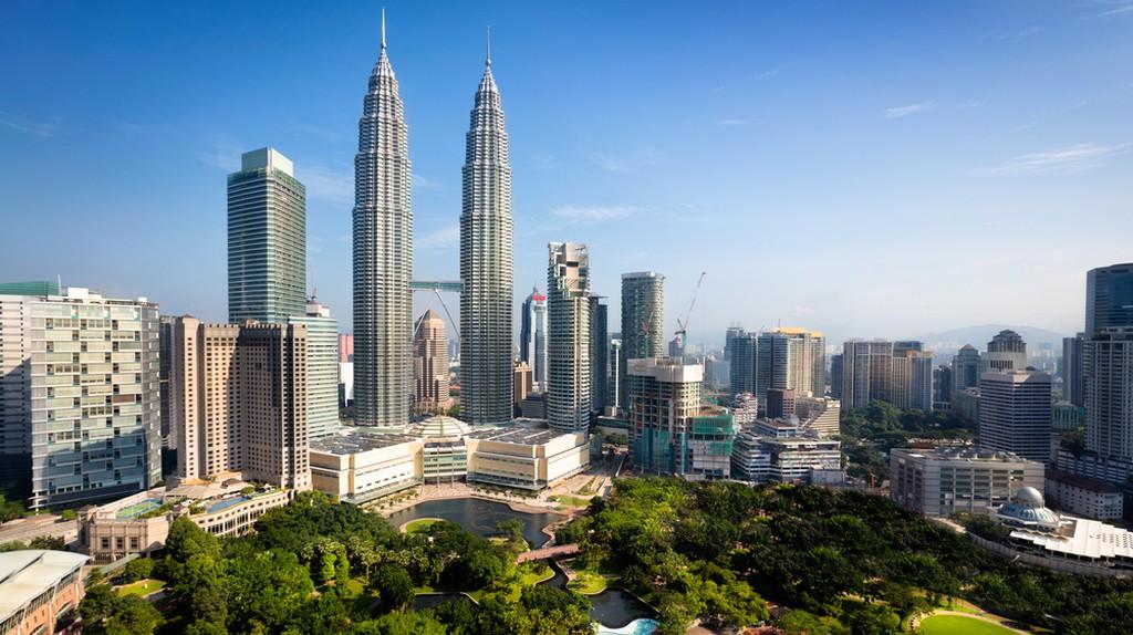 Kuala lumpur skyline, Malaysia  | © Patrick Foto / Shutterstock