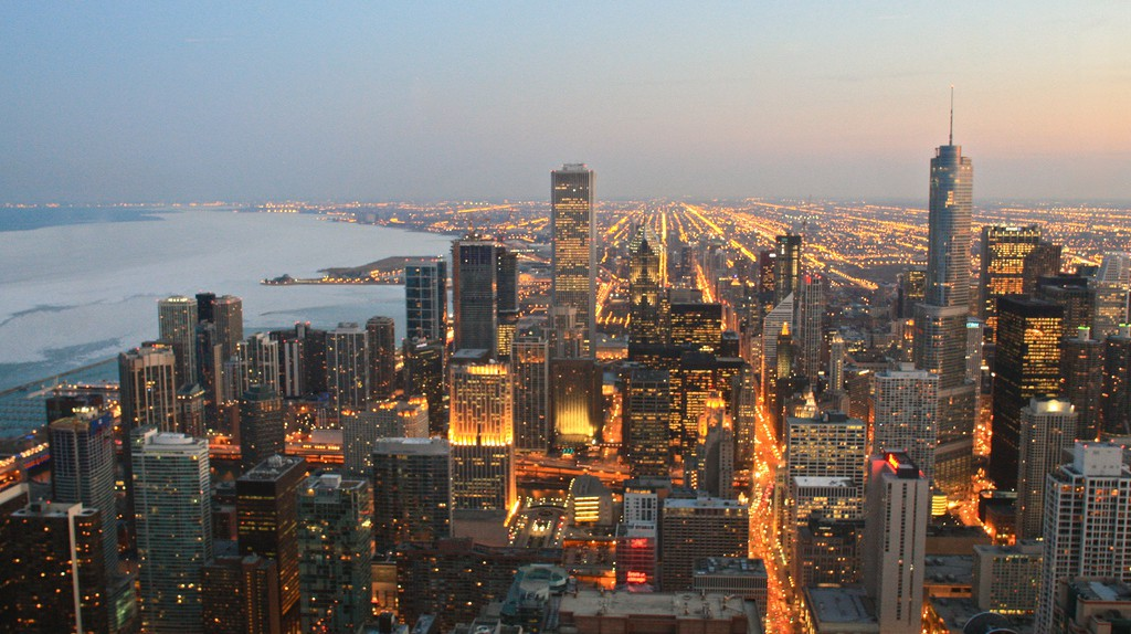 Chicago skyline view from the Signature Lounge   © Adam James / Flickr