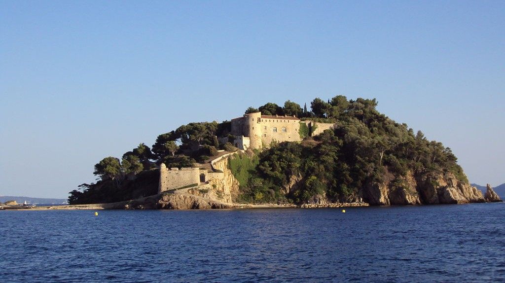The Fort de Brégançon has played host to many of the French presidents since the 1960s | © Patrub01/WikiCommons