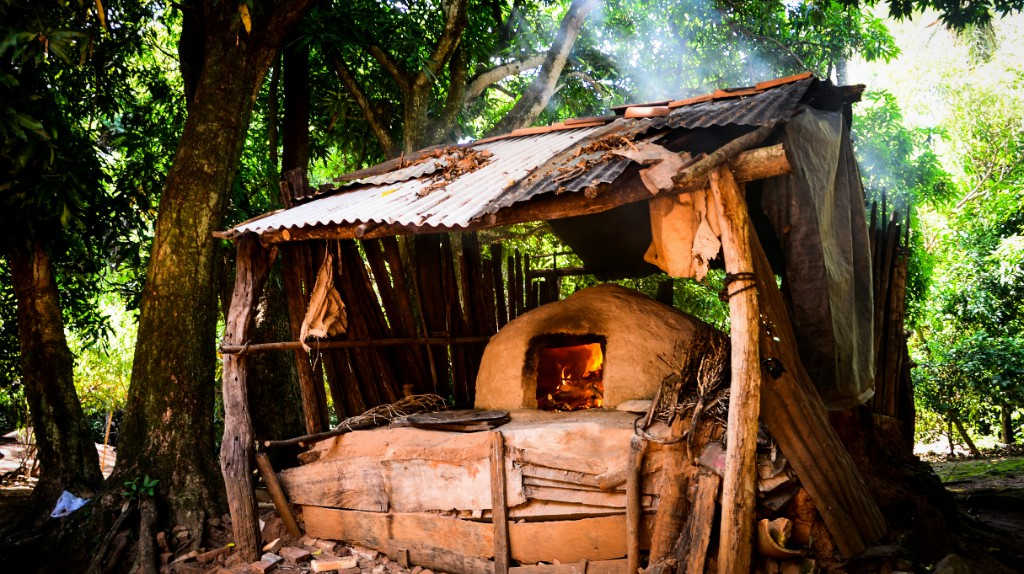 A traditional Paraguayan clay oven © Abriles_ / Flickr